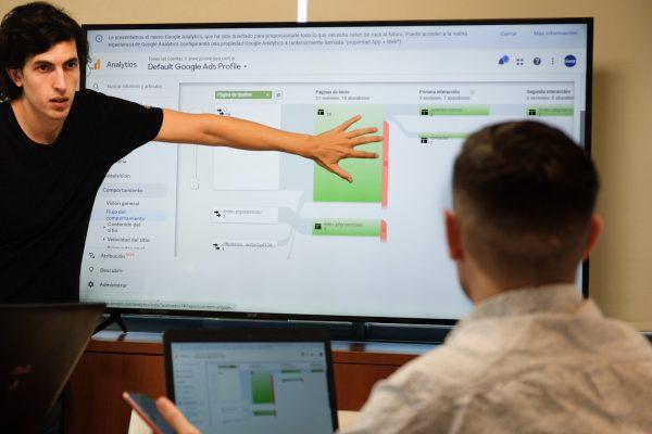 Municipalidad de Escobar curso como vender online Biwan Digital